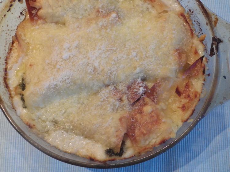 lasagne recipe, chicken Caesar salad, chicken lasagne, chicken lasagne recipe, creamy lasagne, food, recipes, easy lasagne recipe, food blog, food blogger, kale recipes, chicken recipes