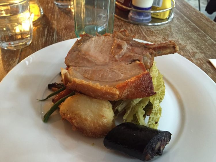 sunday roast, sunday roast london, best roast dinner in london, restaurant reviews london, food forest hill, forest hill restaurants, food bloggers, dartmouth arms, plates and places