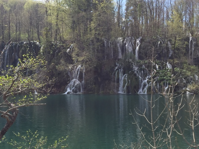lake plitvice, croatia, holidays in croatia, holidays in lake plitvice, what to do in croatia, what to eat in croatia, travel blogger, food blogger