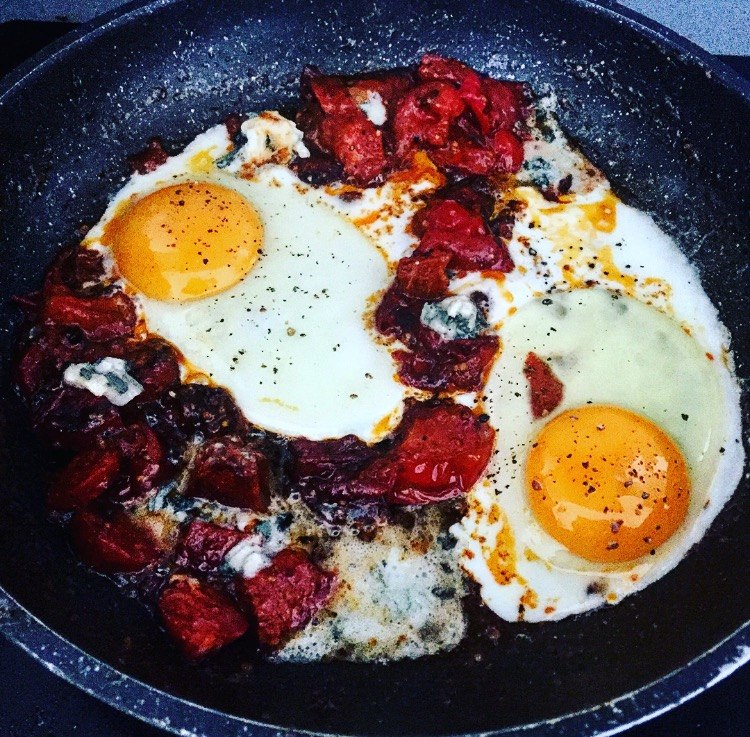 shakshuka recipe, brunch recipes, brunch ideas, eggs and chorizo recipes, food blogger, london food blogger, egg recipes