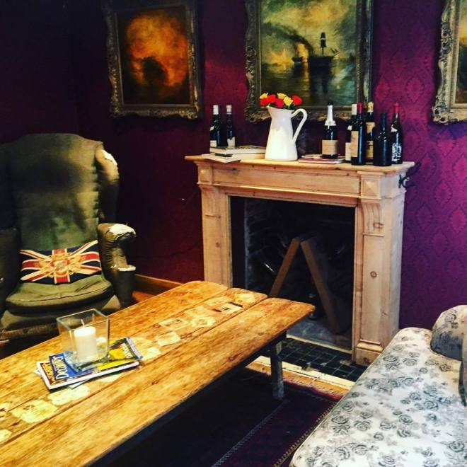self-service wine bar, wine bar winchester, where to drink in winchester, food blogger winchester, food blogger london, london food blog, the black bottle winchester, the black bottle winchester review, the best wine bars in winchester, quirky wine bars