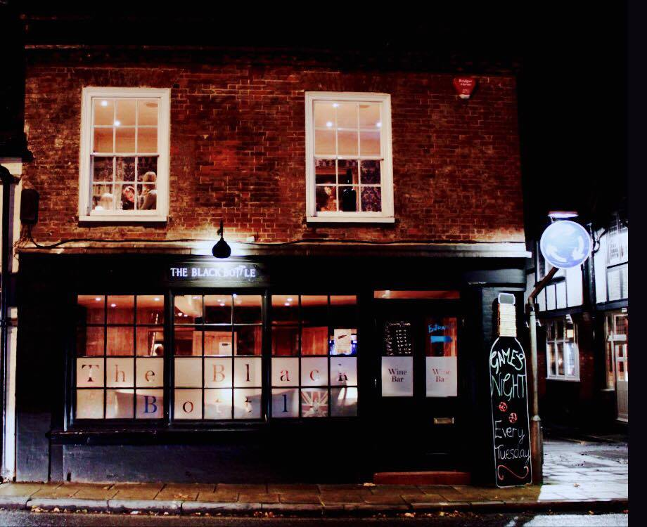 self-service wine bar, wine bar winchester, where to drink in winchester, food blogger winchester, food blogger london, london food blog, the black bottle winchester, the black bottle winchester review, the best wine bars in winchester, quirky wine bars, what to do in winchester
