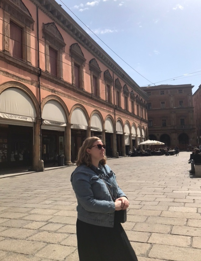 what to do in bologna, a guide to bologna, best aperitivo bars in bologna, how to get to madonna di san luca in bologna, san luca express train to madonna di san luca, best platters in bologna, best delis in bologna, best park in bologna, best airbnb in bologna