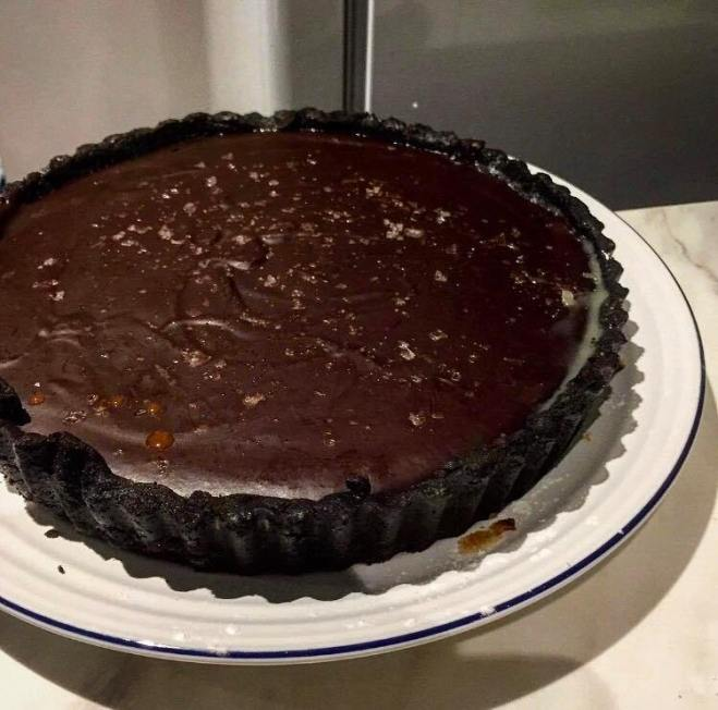 salted chocolate tart with caramel, oreo tart, dark chocolate desserts, easy salted caramel recipe